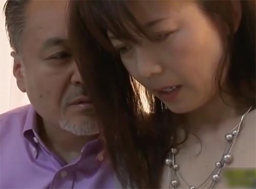 おばさんのセックス動画 熟女妻が他人の肉棒に突かれ感じている姿を見て興奮する変態性癖の夫