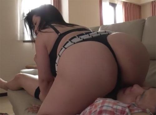 M性感デリヘルで義母さんに性調教で逆レイプされる甥のアダると無料動画